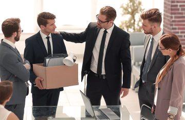 Работодателей хотят обязать «пристраивать» уволенных сотрудников в другие компании