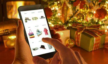 Почти 80% россиян планируют покупать новогодние подарки онлайн